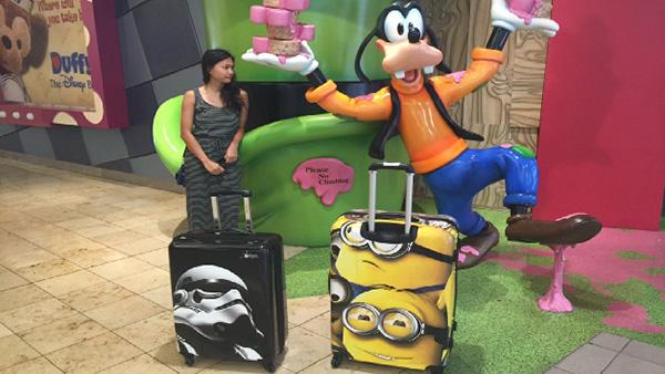 free-luggage-future-travel-baggage-futuristic-global-technology-fee-fees-n