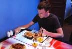 interaktywny stół w restauracji