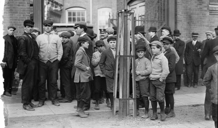 Strike Committee at Mill Gate, Passaic, NJ, ca.1916 . Bain News Service, via Library of Congress collection.