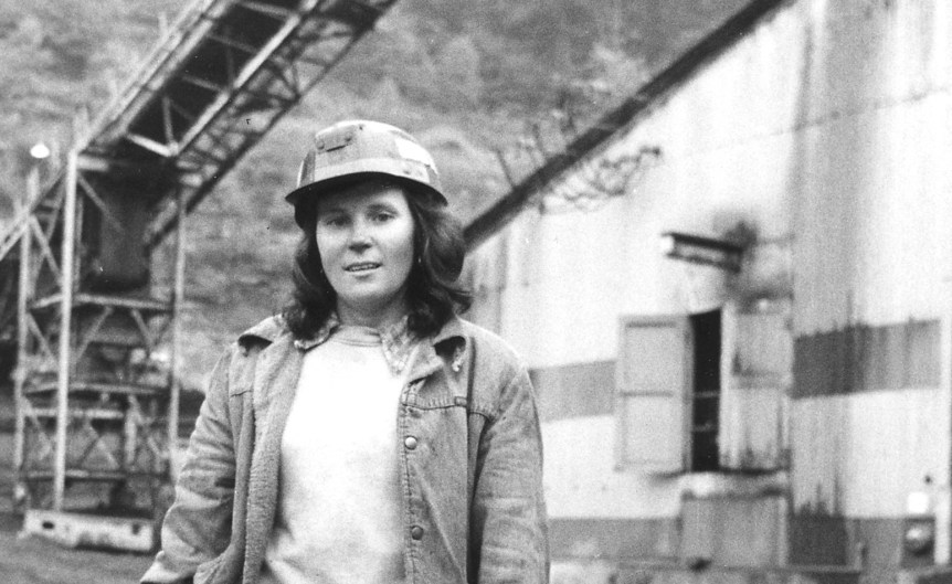 Linda King finds working as a roof bolter's helper at the Bullitt Mine in Big Stone Gap, Virginia, more challenging and better paying than her previous job in a garment factory (NARA)