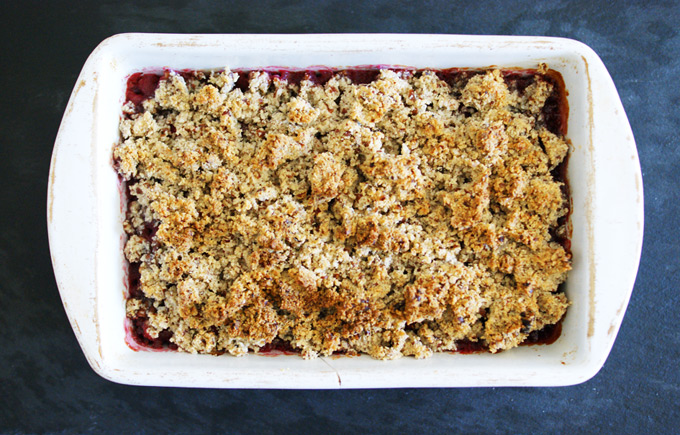 raspberry crumble free from refined sugar, flour and butter