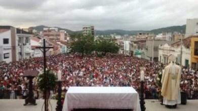 Tradicional procissão de Nossa Senhora da Luz reuniu, aproximadamente, 12 mil fiéis (Foto: Divulgação)
