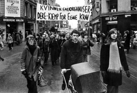 Kvinnedagsmarkering i Oslo i 1975. Foto: Klassekampen
