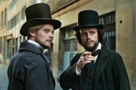 Stefan Konarske som Friedrich Engels og August Diehl som Karl Marx i «Den unge Karl Marx» (2017).
