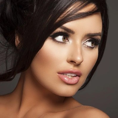 2015 het jaar van abigail ratchford en lindsey pelas play hard. Black Bedroom Furniture Sets. Home Design Ideas