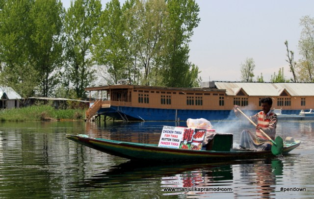Chicken tikka being served on houseboat