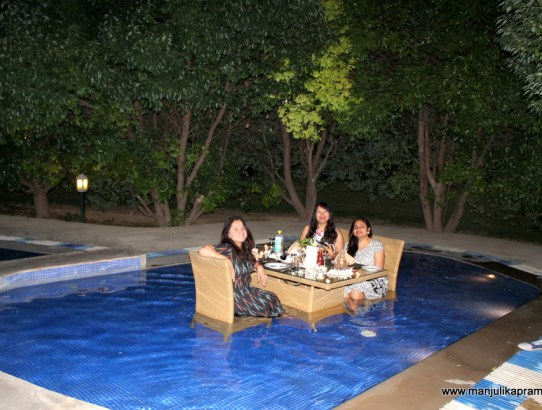 How about Dining in a Swimming Pool in Corbett?