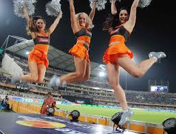 Cheering_Sunrisers_Hyderabd