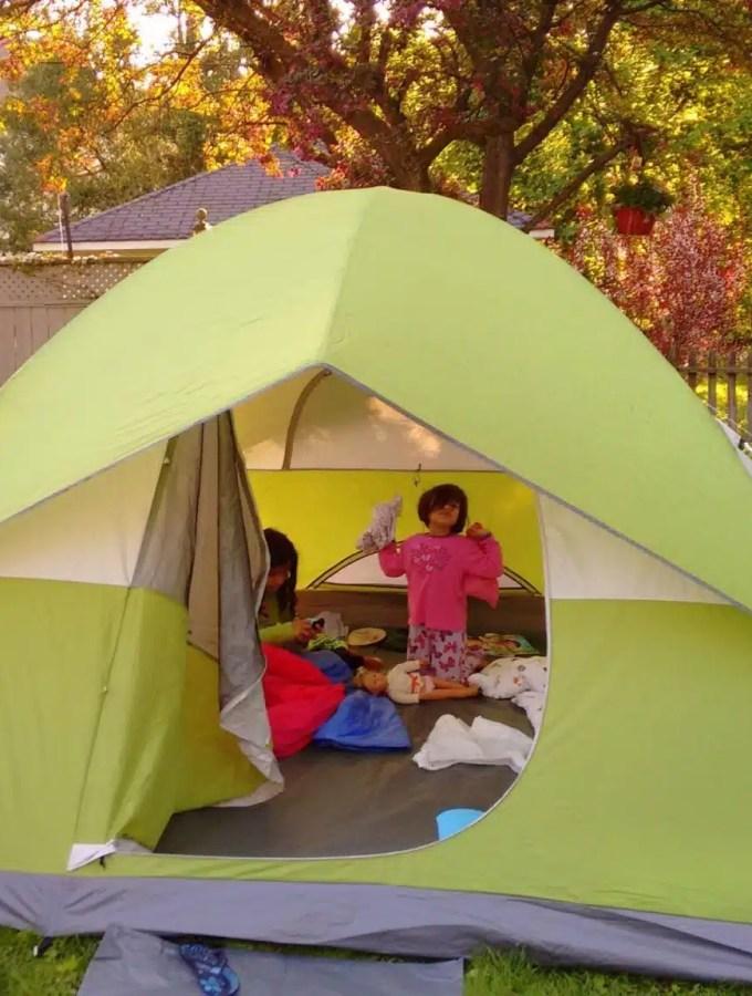Backyard Camping with Kids | Kids Activities | utdoors with Kids | Canada Day Activities | MapleandMarigold.com