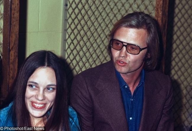 23.-Angelina-Jolie's-parents-1972