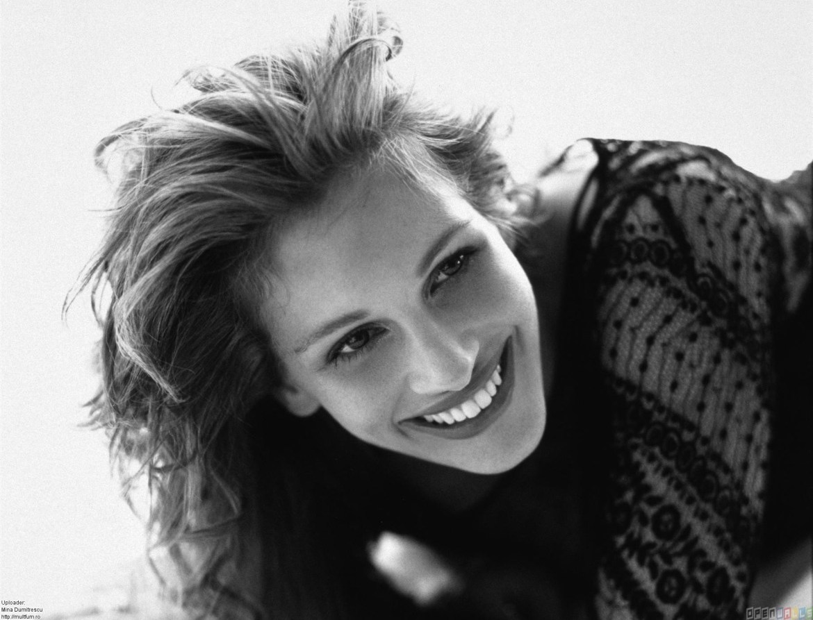 julia_roberts_beautiful_smile__1834x1401