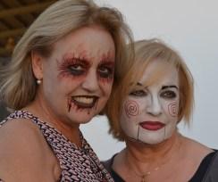 Zombie y muñeca Halloween