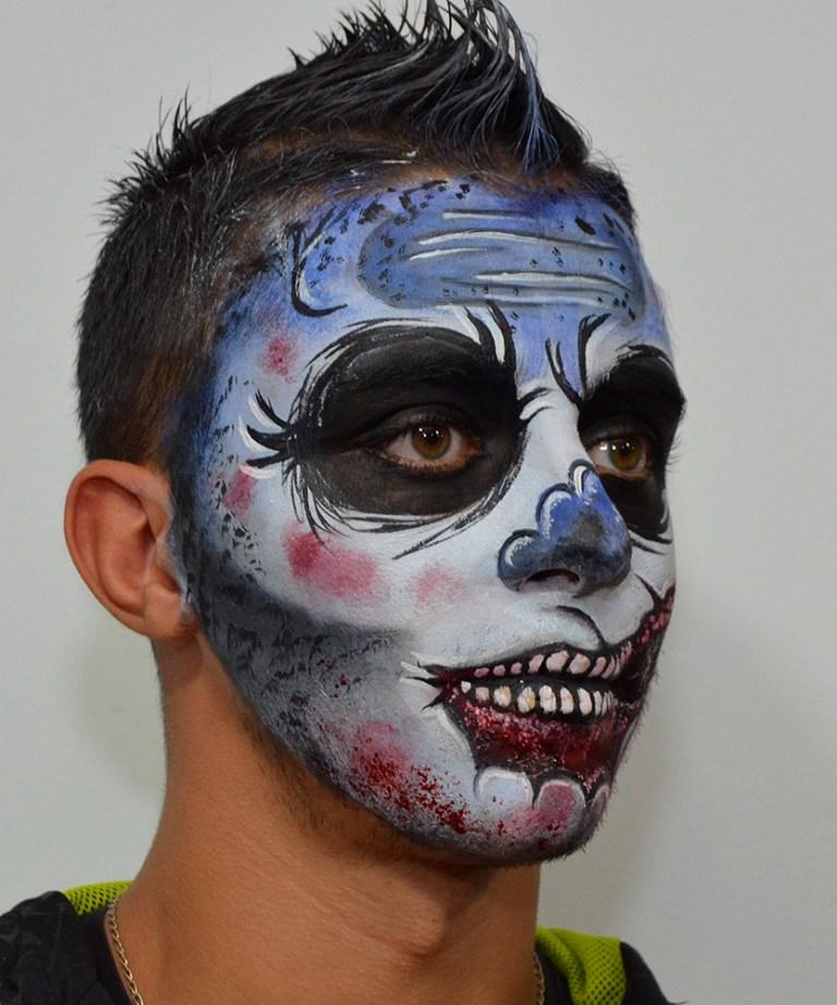 Maquillaje Halloween zombie azul herida boca