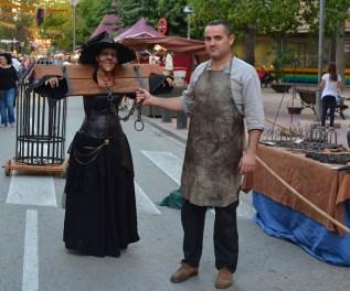 Miguel Angel Torres el herrero y Beatriz Martinez caracterizada de bruja