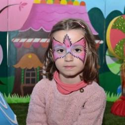 face painting pájaro rosa maquilladora beatriz