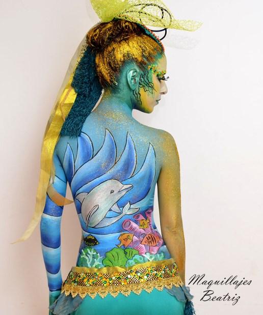 Espalda con fondo marino de un maquillaje de sirena Beatriz Martínez