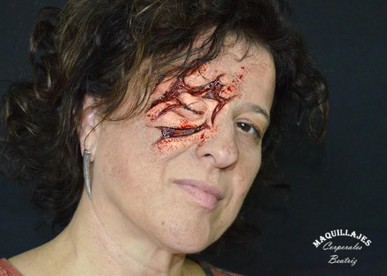 Herida en un ojo realizado en espuma de látex