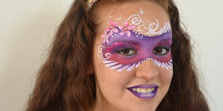 Maquillaje facial de fantasía