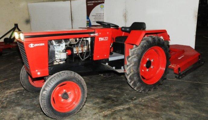 Jensen desarrollará más implementos para el tractor TH-22