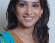 मराठी अभिनेत्री पूर्वा गोखले, जन्म तारीख २२ नोव्हेंबर १९७६ . जन्म स्थान मुंबई . तिने रिमझिम (Rimjhim) या मराठी सिरिअल मध्ये काम केले होते . त्यानंतर थरार (Tharaar) , क्या...