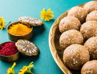 Makar Sankranti is maharashtrian festival.Black clothes are given importance during the makar sankranti. Because black clothes absorb heat. Therefore, black saris are worn during makar sankranti. This festival has special...