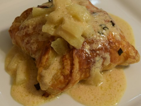 Chicken Apple Tart with Apple Cream Sauce