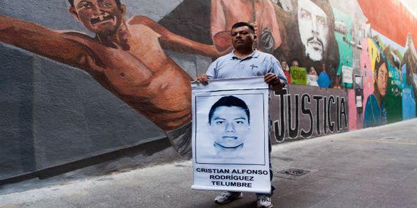 """Padre de Ayotzinapa: """"Nuestra lucha es por todos los desaparecidos de México"""""""