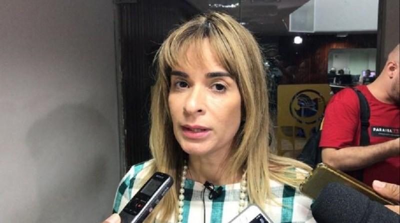 Daniella: 'CCJ não pode ser escritório do Governo'
