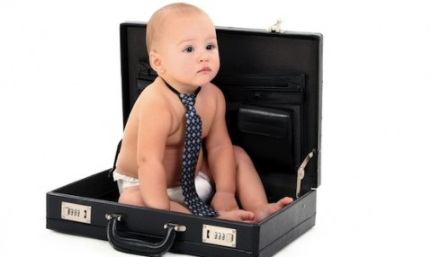 baby_in_a_business_suitcase_2560x1600
