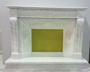 Cornice in Carrara intarsiata
