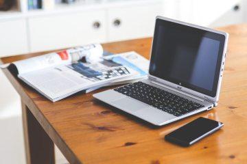 smartphone-desk-laptop-technology-large