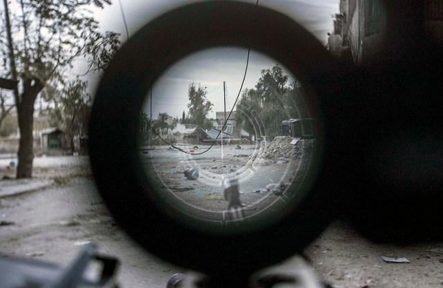 war in Syria rifle scope