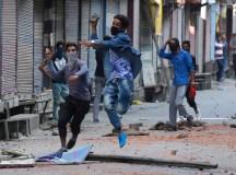 کشمیر: بغاوت کی آگ؛ جو بجھائے نہ بنے