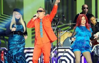 NEW YORK, NY - APRIL 14: The B-52s perform onstage at the 10th Annual TV Land Awards at the Lexington Avenue Armory on April 14, 2012 in New York City. (Photo: Andrew H. Walker / Getty Images)