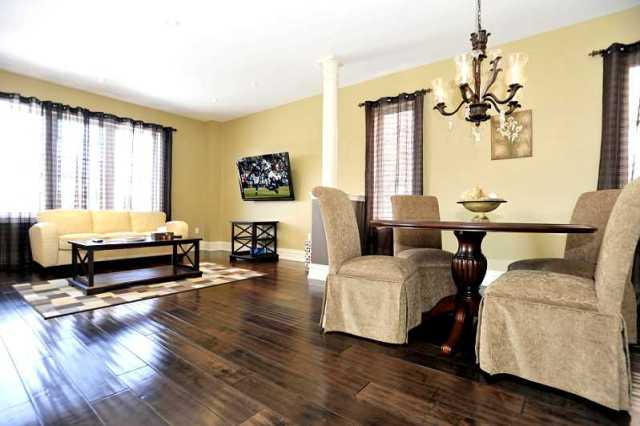 Caledon open concept 3 bedroom 20 kearny avenue for sale for Living room with 9 foot ceilings