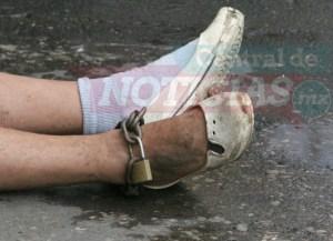 Mujere encadenada en Cuernavaca