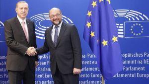 Juncker-Erdogan-migratoria-Turquia-UE_EDIIMA20151005_0787_4