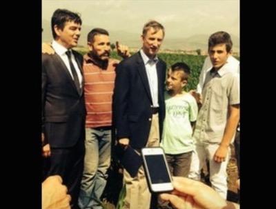 l'ambasciatore Wohler con l'amico terrorista