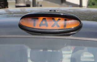 All London black cabs to accept card payments by October 2016
