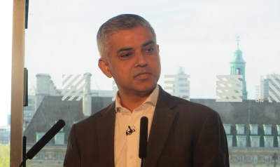 """Khan urges London voters """"to choose hope over fear"""" as Mayoral draws to a close"""