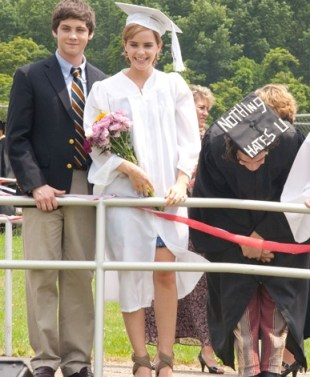 perksofbeingofawallflower-graduation