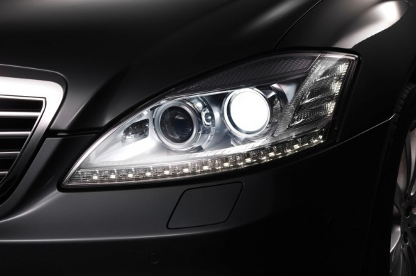 mercedes benz xenon headlamps get brighter starting december 25792 1 597x397 New xenon burners by Osram