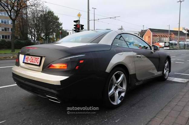 spyshots 2013 mercedes benz sl interior medium 4 2013 Mercedes SL Interior Spyshots