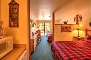 The Trailblazer Suite at Meadowbrook Resort & DellsPackages.com in Wisconsin Dells