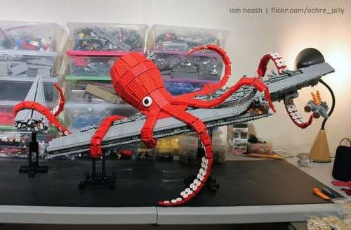 MEGATechNews Showcase   Even More LEGO Creations Including a Kraken Tearing Apart an Imperial Super Star Destroyer   lego star wars space kraken 4 500x327