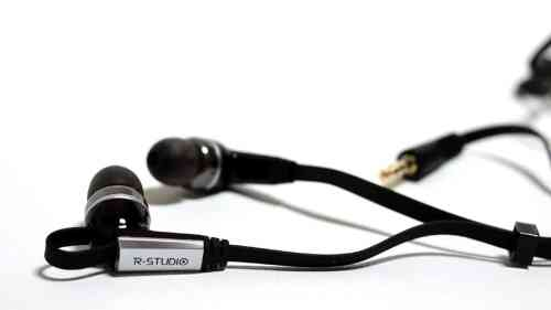 MEGATech Reviews   Rosewill R Studio E 860 Noise Isolating Earbuds   rstudioe860 6 500x281