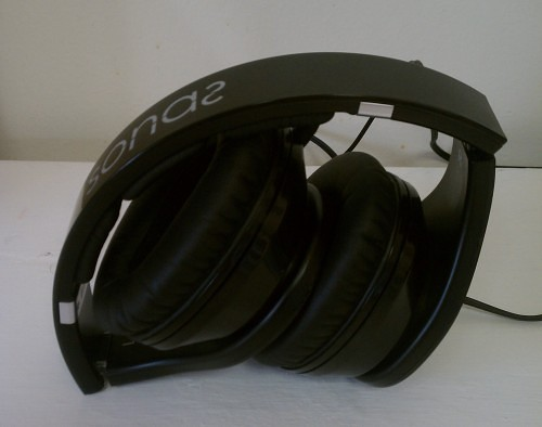 MEGATech Reviews: Rosewill Sonas Headphones   IMG 20140407 170539 e1397162091967 500x394