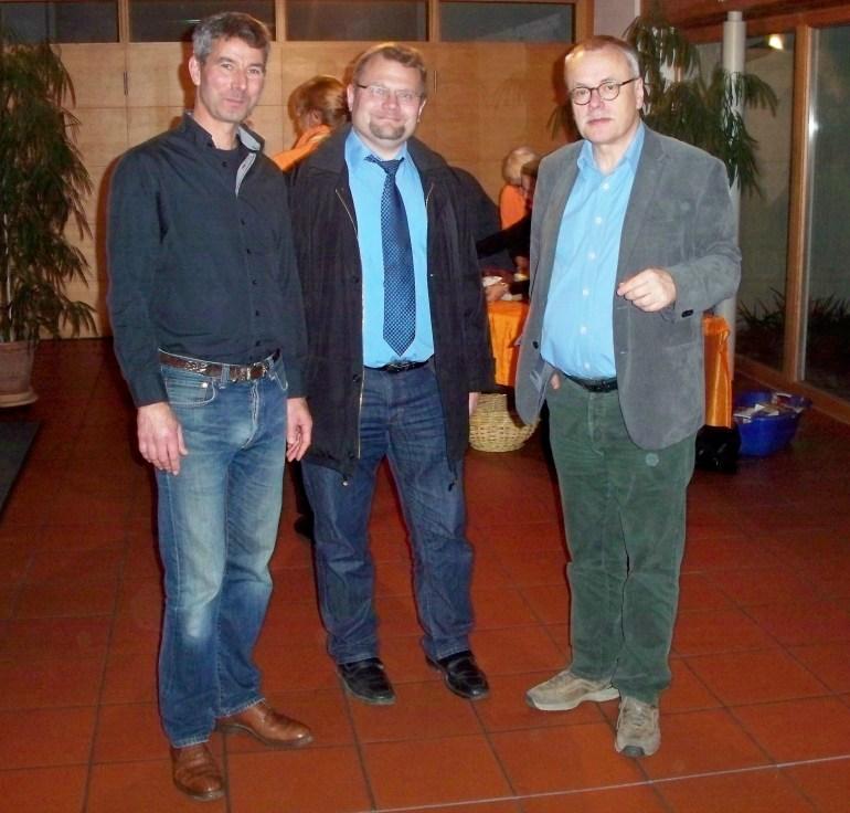 Gruppenbild mit Bürgermeister: GR Frank Hufnagel, Bügermeister Werner Knaier, Uwe Kekeritz (v.l.n.r.) Foto: HJS