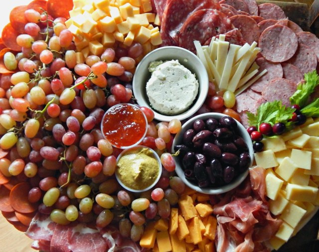 how to create a meat and cheese platter from @melissakaylene