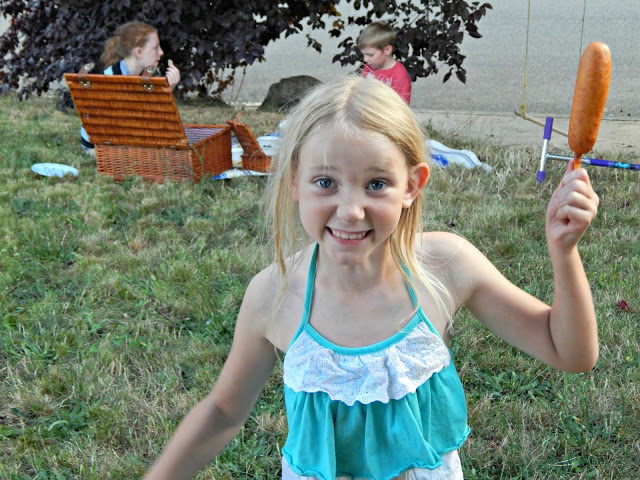 Photos from a Breakfast Picnic #WrapNGo #ad